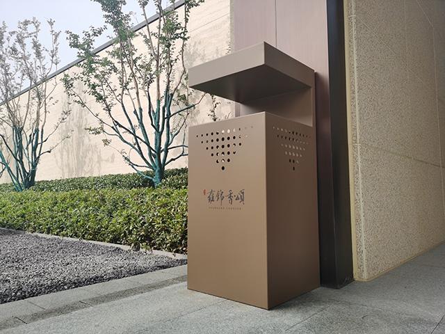 房地产售楼部户外垃圾箱