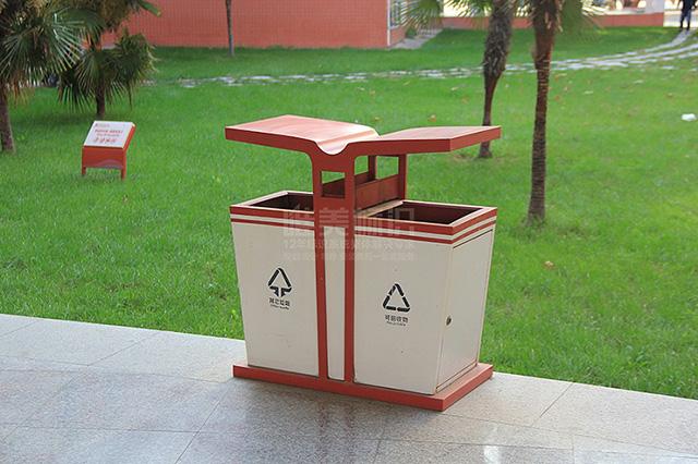 学下户外分类垃圾箱