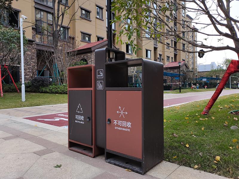 小区户外垃圾箱